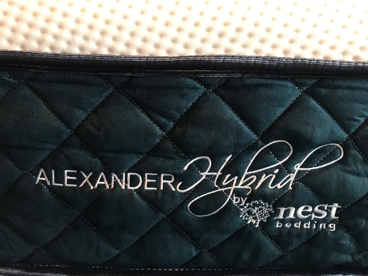 Nest Alexander Signature Hybrid Mattress Review