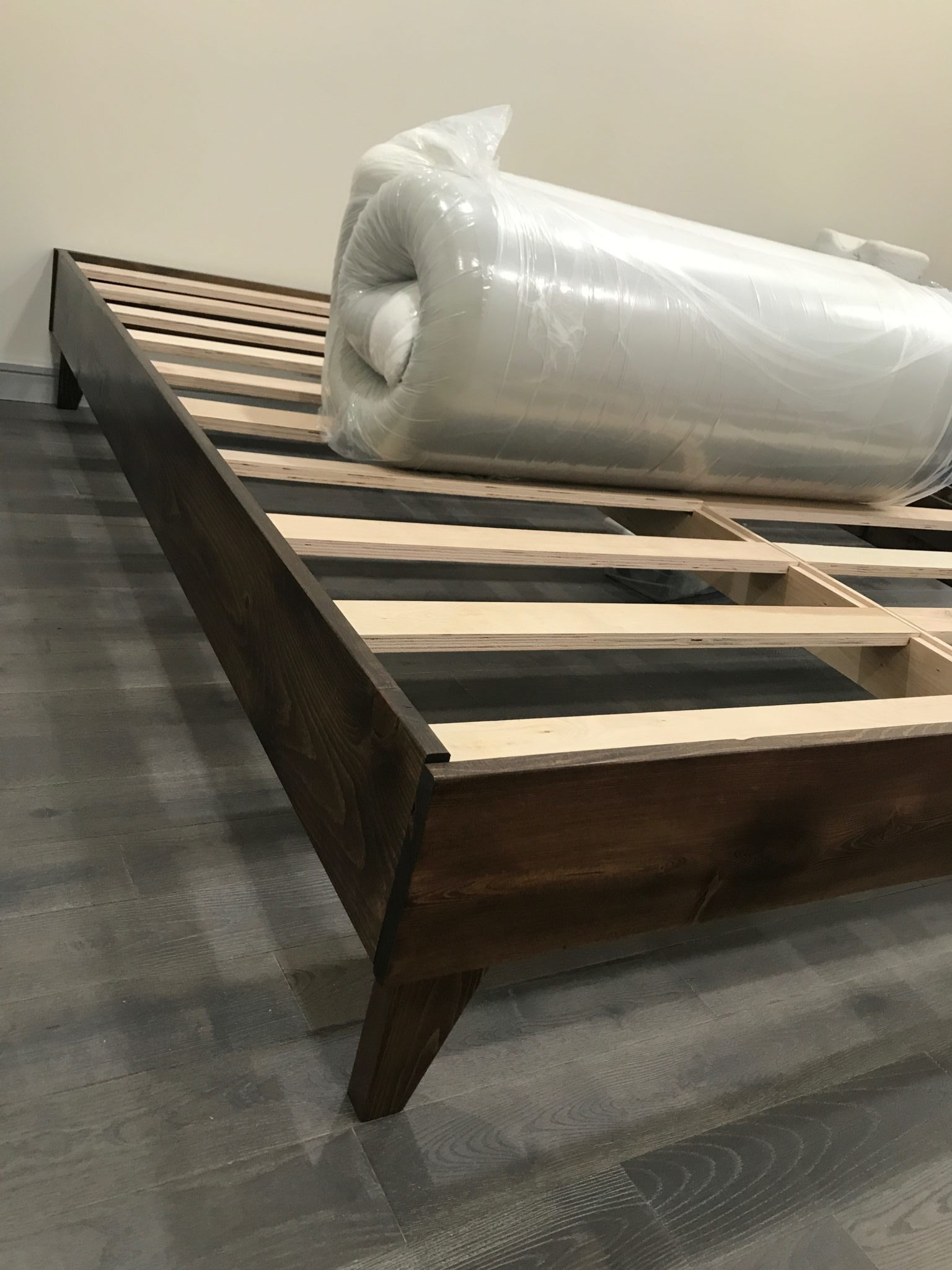 Eluxury North American Pine Artisan Bed Frame Review